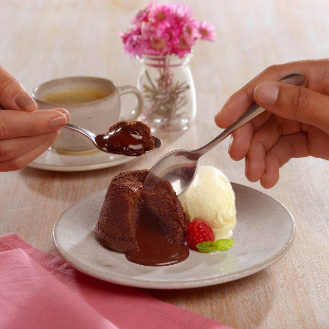 Petit Gâteau de Chocolate com Avelã